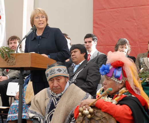 bachelet y mapuche